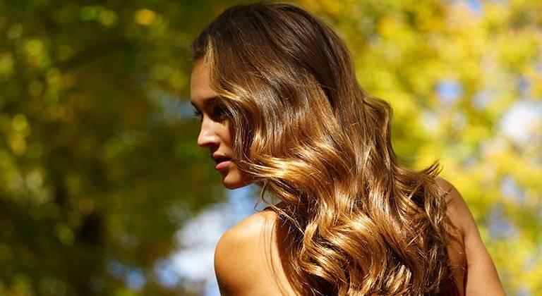 Haar in braune strähnen blondem Blond braune